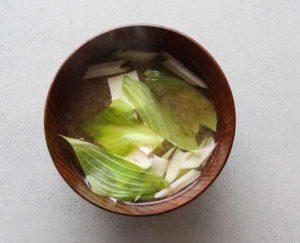 うるいと豆腐の味噌汁
